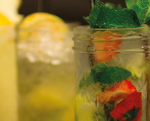 Cocktails Dinner Bar im Elefant
